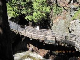 Cantilevered Walkway